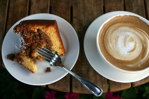 6 coffeecake recipes that give you a reason to wake up in the morning - Los Angeles Times