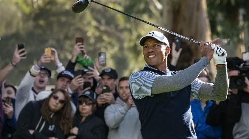 Tiger Woods explodes at the start of third round at Riviera