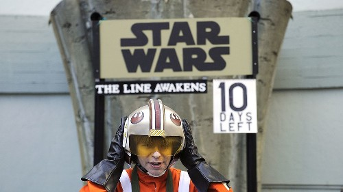 'Star Wars: The Force Awakens' has roused theater campers too - Los Angeles Times