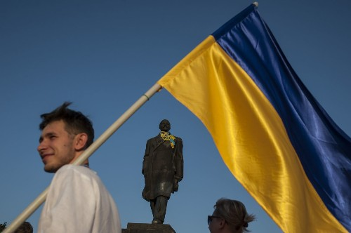Pro-Russia forces call for cease-fire in Ukraine