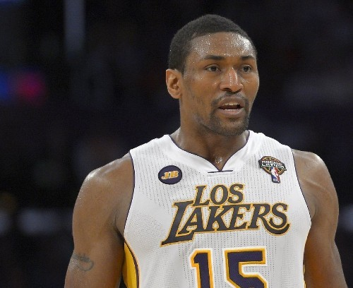 Lakers, Metta World Peace have 'casual conversations' about a return