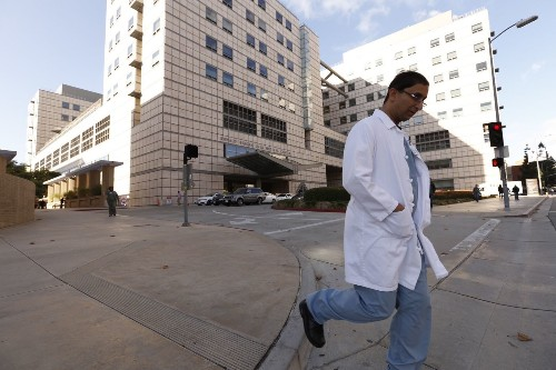 Young doctors could work 28 hours straight under new plan, despite possible dangers - Los Angeles Times