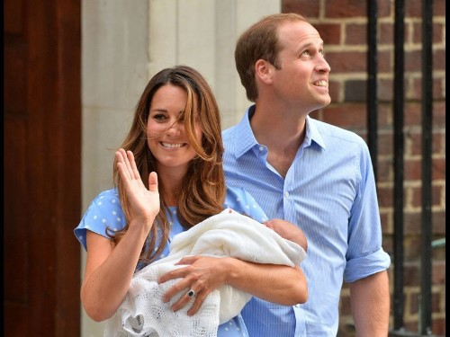 Royal baby George, Kate and Wills head to Middletons' Bucklebury home
