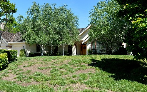 This gated community insists California's drought is over, wants green lawns again - Los Angeles Times