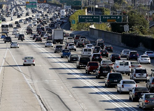 Motorcycles legal in HOV lanes, but what about FasTrak?