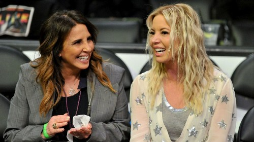 Jeanie Buss needs to play a bigger role in Lakers' reality show