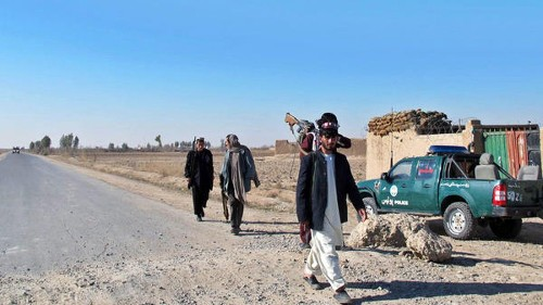 After 2 U.S. airstrikes, Afghan official says: 'Helmand isn't falling' - Los Angeles Times