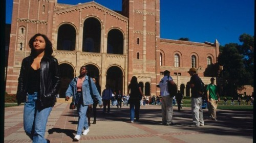 UC freshman applications shatter records, with gains among all racial groups