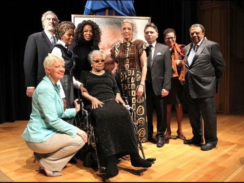 Maya Angelou, poet and civil rights advocate, dies at 86 - Los Angeles Times