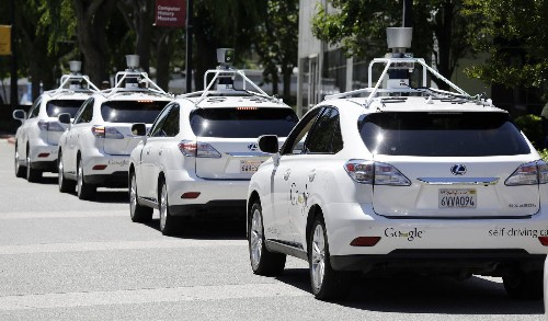 Google acknowledges 11 accidents with its self-driving cars - Los Angeles Times