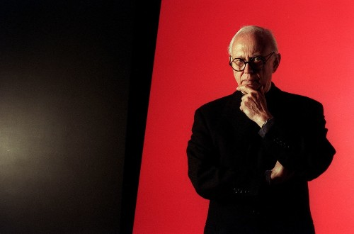 Ellsworth Kelly dies at 92; artist was master of geometric abstraction