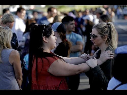 'It was just mayhem' — Gunman kills 12 inside Thousand Oaks bar - Los Angeles Times