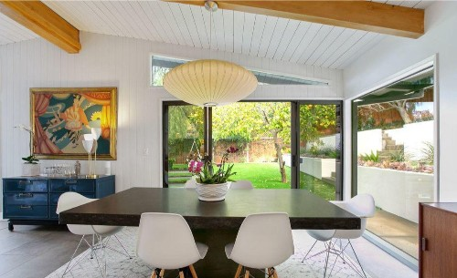 'Ghostbusters' actress Annie Potts catches a buyer in Sherman Oaks