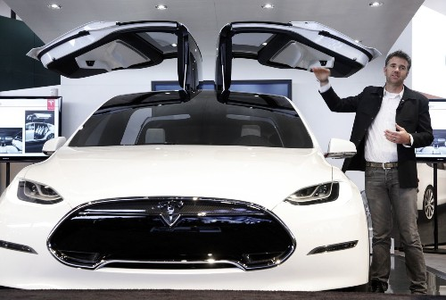 Tesla CEO Musk plans Model X deliveries this month, Model 3 orders in March