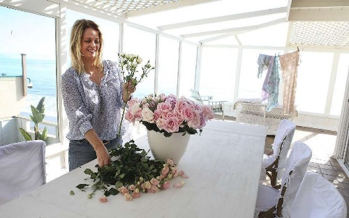 Rachel Ashwell details the flowering of Shabby Chic style in new book - Los Angeles Times