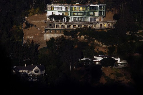 New claims about perks for inspector, perils for neighbors in Bel-Air mega-mansion case