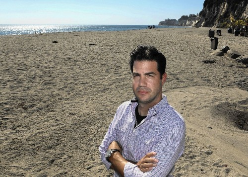 Paradise Cove gets Coastal Commission warning over beach access - Los Angeles Times