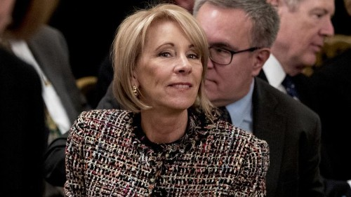 Education Department found indications of deceptive practices by Navient — and kept quiet - Los Angeles Times
