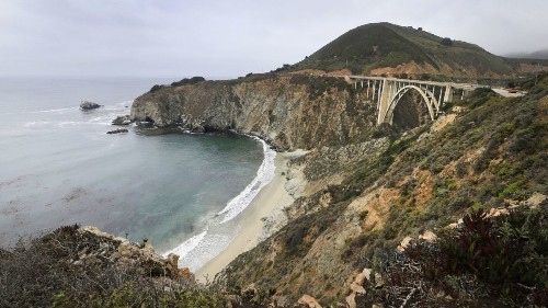Big Sur locals are fed up with tourists, banner over Bixby Bridge shows