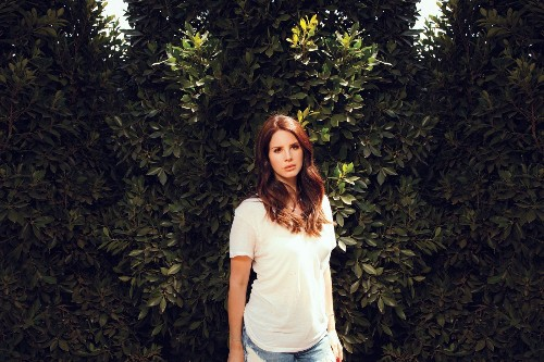 Lana Del Rey talks about her Globe-nominated 'Big Eyes' title track