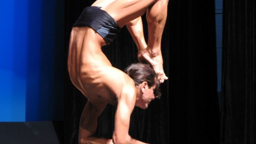 La Cañada History: Local yoga teacher captures men's division in annual yoga competition