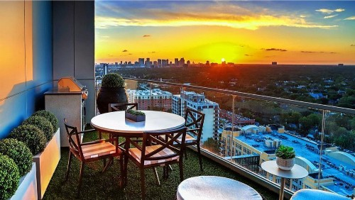 Former Rocket Ryan Anderson puts Houston condo in play at $3 million
