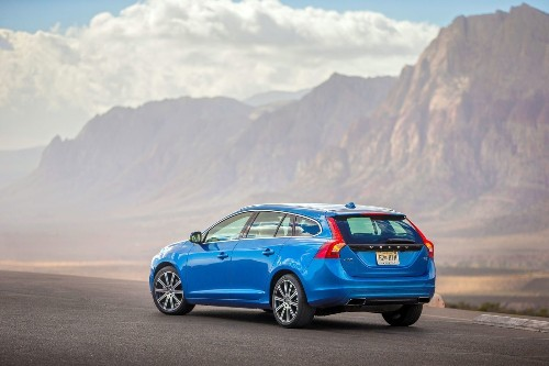 First Times Drive: Volvo's V60 wagon packs fewer groceries, more fun - Los Angeles Times