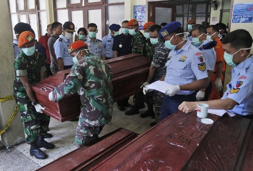 Death toll from Indonesian plane crash at 142 as recovery effort winds down