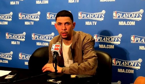 Austin Rivers leads Clippers' 124-99 rout of Rockets in Game 3