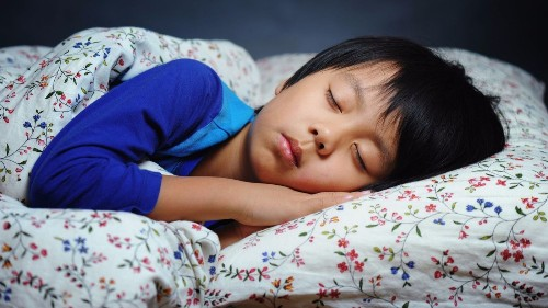 Mobile devices in the bedroom rob kids of sleep, study says - Los Angeles Times