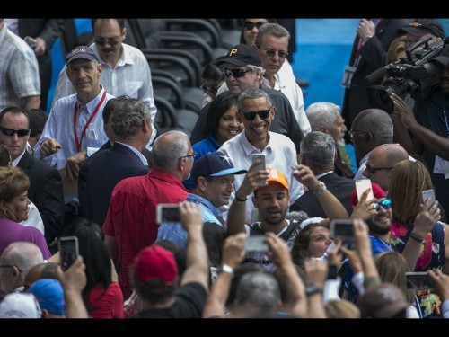 Obama and Castro, side by side, both speak of human rights but sound discordant notes