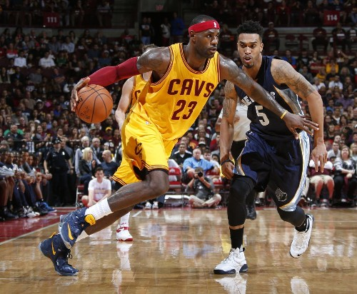 NBA report: LeBron James questionable for Cavaliers opener - Los Angeles Times