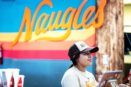 Review: Remember Naugles Tacos? Never heard of it? The cult Mexican fast-food chain is expanding
