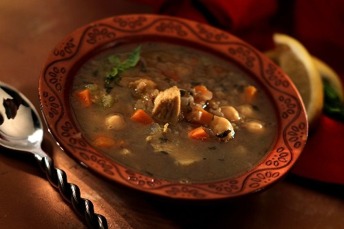 Easy dinner recipes: Terrific chicken soups to warm up your evenings fast