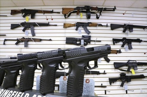 White House targets gun loopholes, overseas purchases - Los Angeles Times