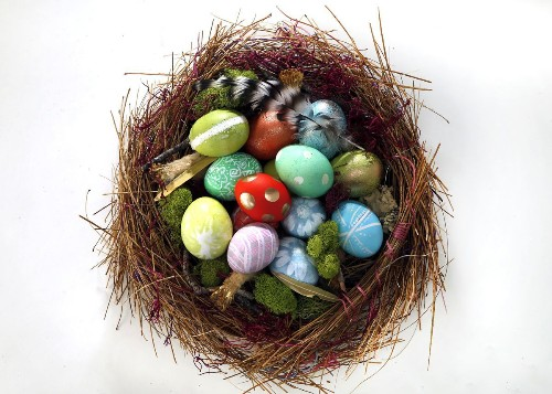 How to decorate Easter eggs using stuff you already have in your kitchen