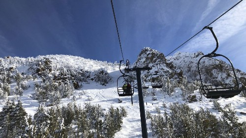 A wet start to winter brings piles of snow to California mountains and high hopes for water supply - Los Angeles Times