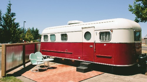 Retro trailer accommodations and Oregon wines? It's a vintage vacation - Los Angeles Times
