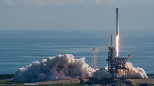SpaceX splits six military satellite launches with rival Lockheed-Boeing
