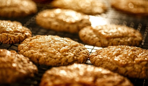 Holiday cookie recipe: Oatmeal cookies with coconut toffee