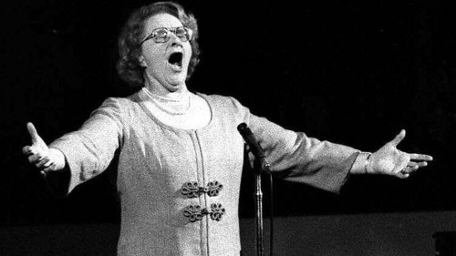 Flyers remove Kate Smith statue because of racially insensitive songs