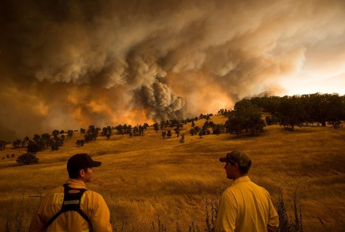 Don't dismiss the link between wildfires and climate change, scientists say