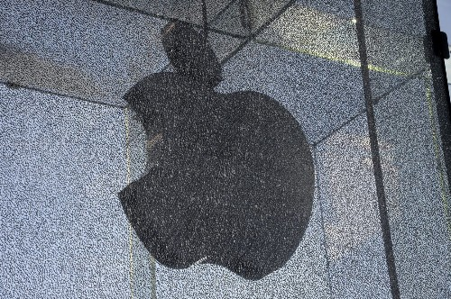 Fixing cracked glass at Apple's 5th Avenue store may cost $450,000