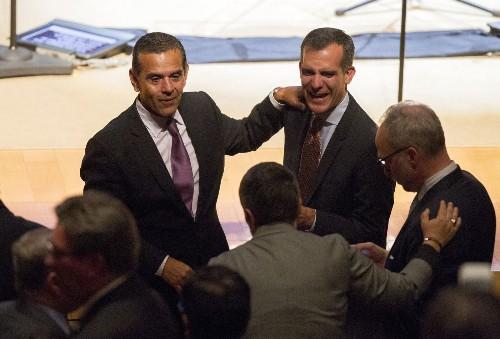 Villaraigosa decision hot topic at Latino Caucus retreat in Napa