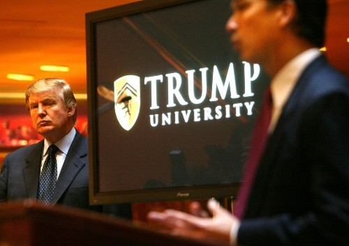 Donald Trump fights to keep videos of his Trump University testimony private - Los Angeles Times