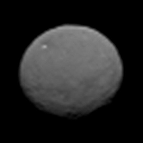 As Dawn spacecraft closes in on Ceres, things start to look 'rough'