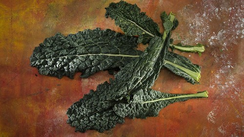 New produce guide shows eating kale is a lot dirtier than you think