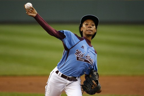 Geno Auriemma: Conference rival filed complaint over Mo'Ne Davis call