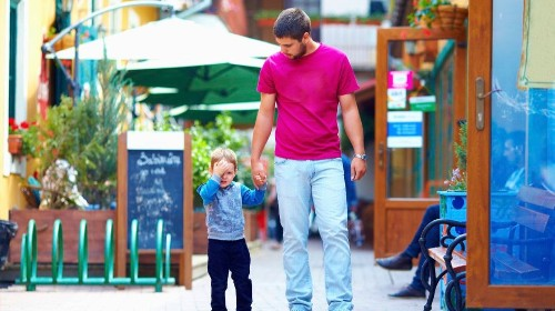 Five things pediatricians want dads to know about parenting