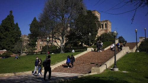 Measles' next target in Los Angeles: Unvaccinated college students